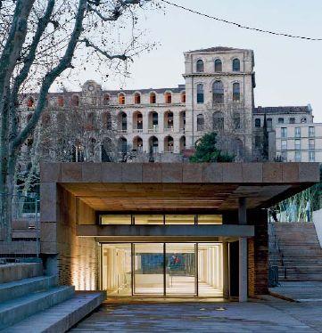 La construction en souterrain a permis de créer une place permettant de relier le quartier historique du Panier au Vieux-Port (Source : L. Boegli, Mairie de Marseille)