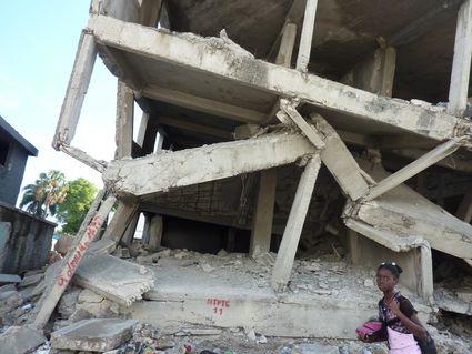 Construction irresponsable!, Port au Prince, Port au Prince (Boyer, 2010)