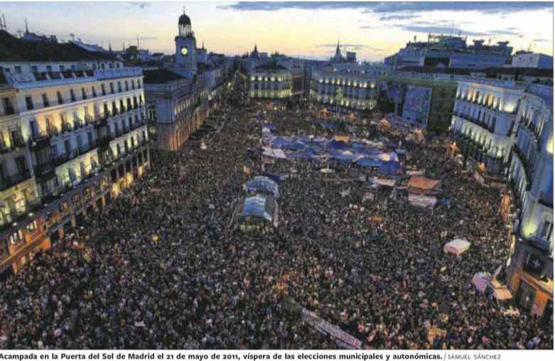 « L'acampada » du 21 mai 2011, c'est-à-dire à la veille des élections autonomiques et municipales, est l'une des manifestations les plus fréquentées : on estime la concentration de manifestants à près de 100 000. (Source, El País,12 mai 2013)
