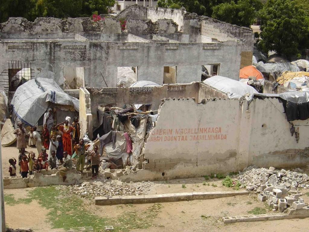 Difficile survie dans Mogadishu dévasté (Groupe URD, 2004)