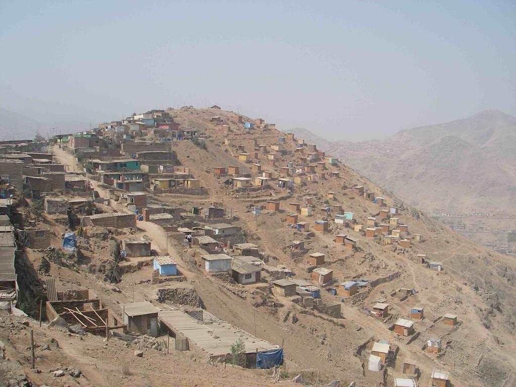 L'urbanisation aux marges de la ville, Villa Maria del Triunfo, Sud de Lima (J. Robert, 2010)