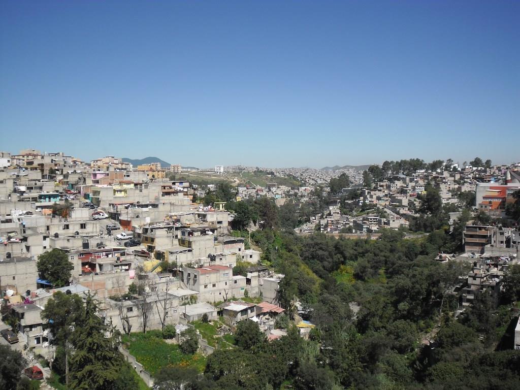 3. Urbanisation sur les pentes d'une barranca à Palo Solo, Huixquilucan, État de Mexico (Valette, 2011)