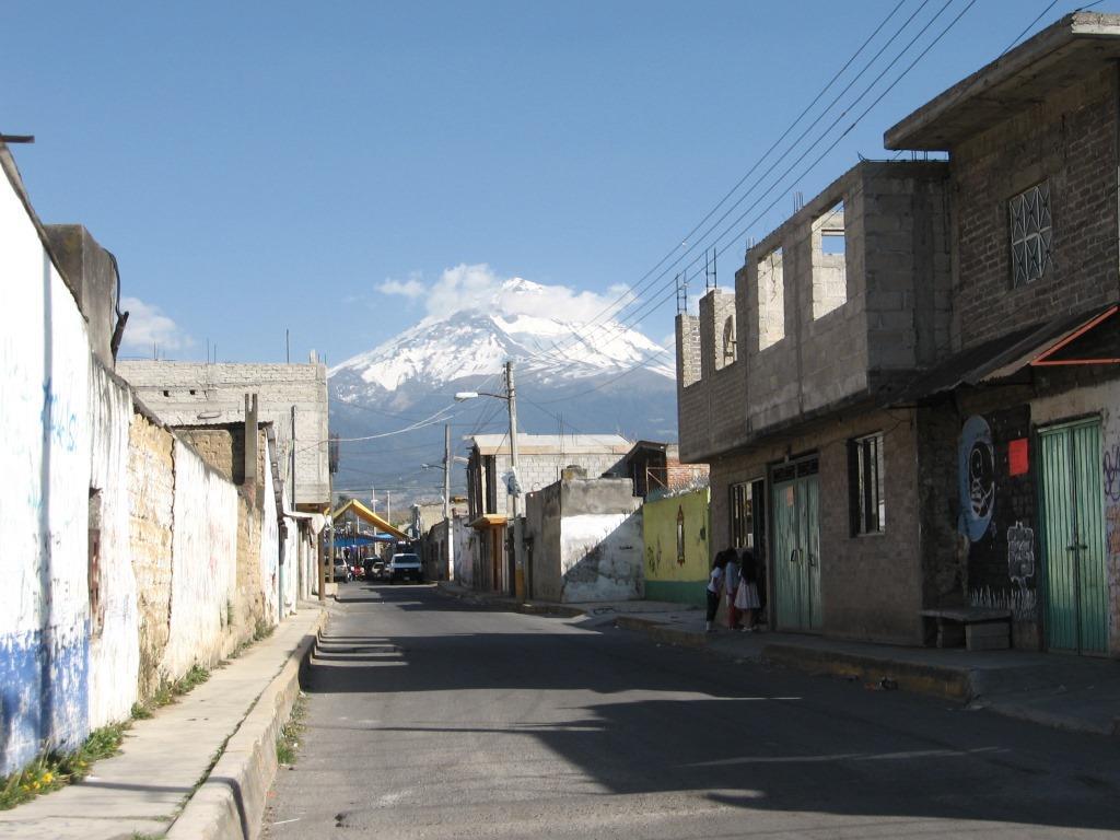 5. Croissance du village périurbain d'Amecameca aux marges de la ZMVM, État de Mexico (Valette, 2010)