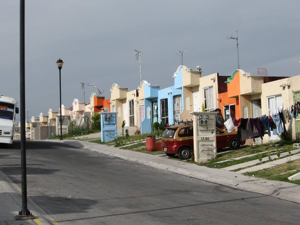 8. Logements sociaux en série à Real San Martin, Valle de Chalco, État de Mexico (Valette, 2010)