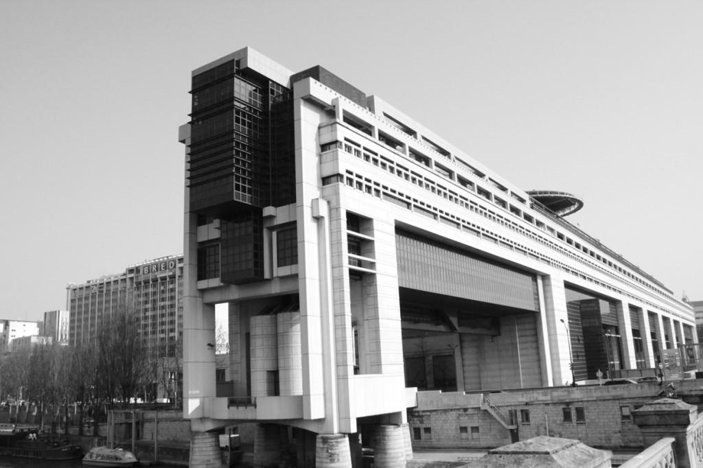 Ministère de l'Economie et des Finances à Paris, représentation du pouvoir (Tricon, 2013)