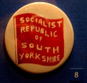 Badges « Socialist Republic of South Yorkshire » (archives municipales)