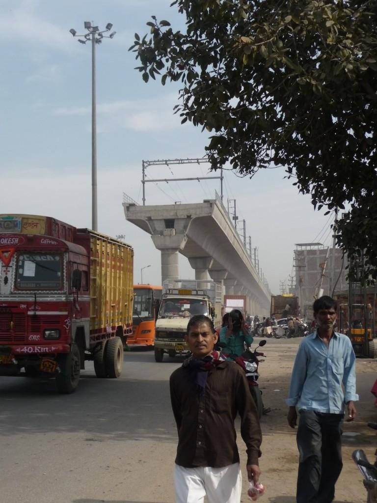Métro en construction dans le nord de Delhi (Bon, 2013)