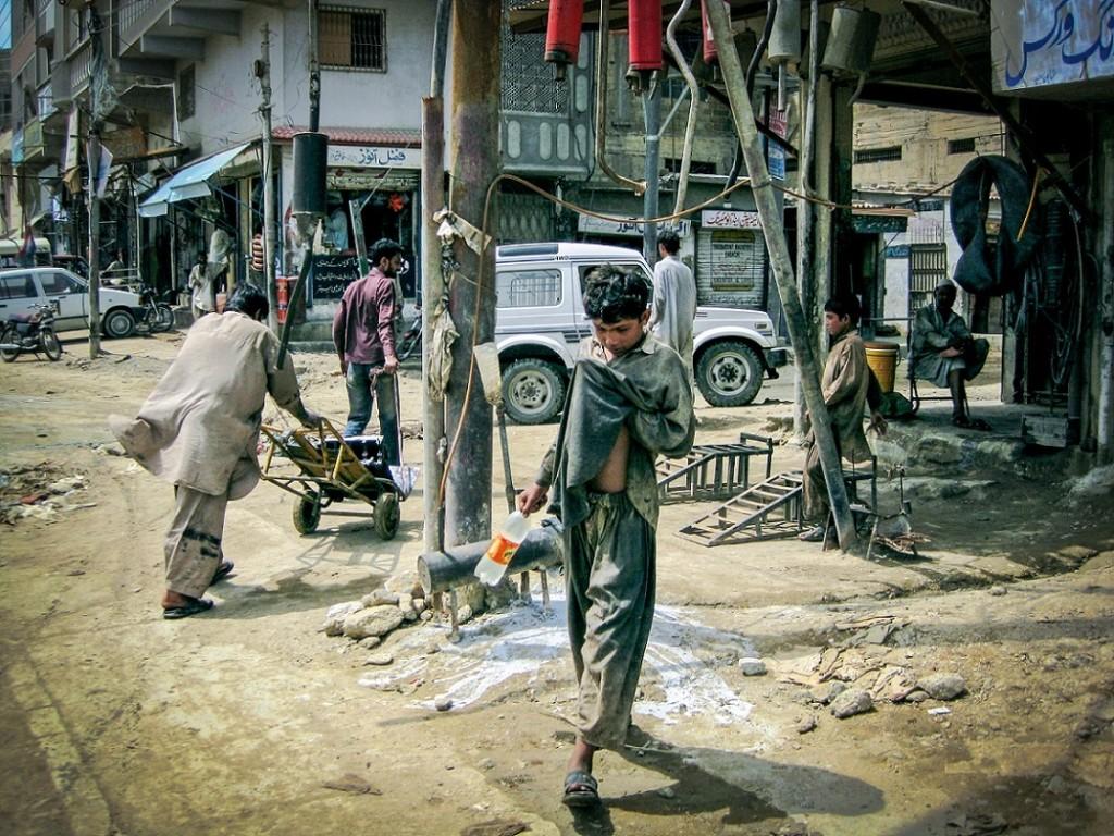 Banaras Chowk, quartier pachtoune du nord de Karachi, théâtre de nombreux affrontements entre Pachtounes et Mohajirs depuis les années 1980 (Gayer, 2011).