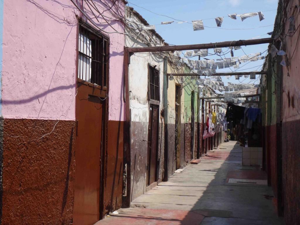 Figure 6. Callejón rue Huaigayoc dans le secteur sauvegardé du district du Rimac (Sierra, 2015)