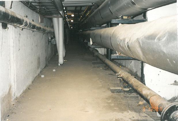 1.Plongée dans les « entrailles de la ville », sous-sol d'un immeuble à Magdeburg (Florentin, 2015)