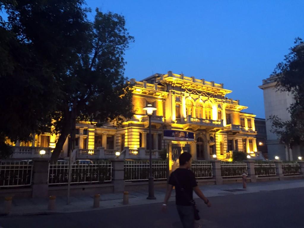 9. La mise en lumière de l'ancienne maison de Tang Yulin dans le New I-Style Town (Lu, 2015)