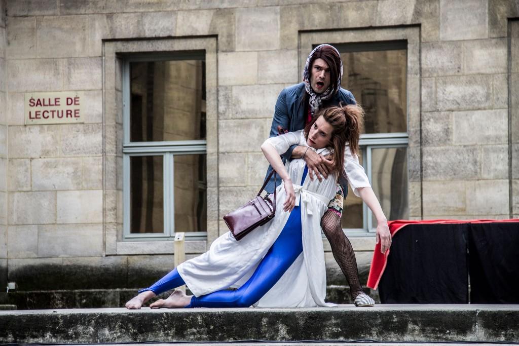 « Je suis perdue » Robin Causse et Eléonore Arnaud Bibliothèque Historique de la Ville de Paris, le 31 mai 2015 ©Mélodie Daumas