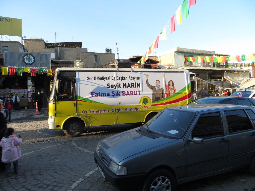 16. Les co-maires de Sur en campagne municipale (Gosse, mars 2014).