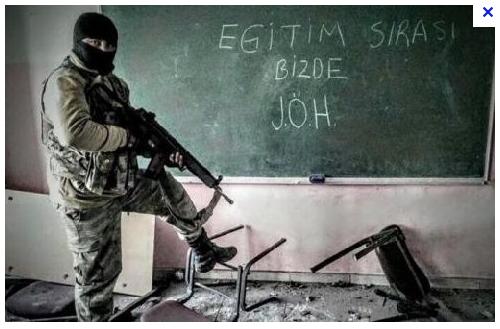 19. «A notre tour d'assurer votre éducation, JÖH ». Photographie probablement prise à Sur et partagée sur Instagram, 2016.