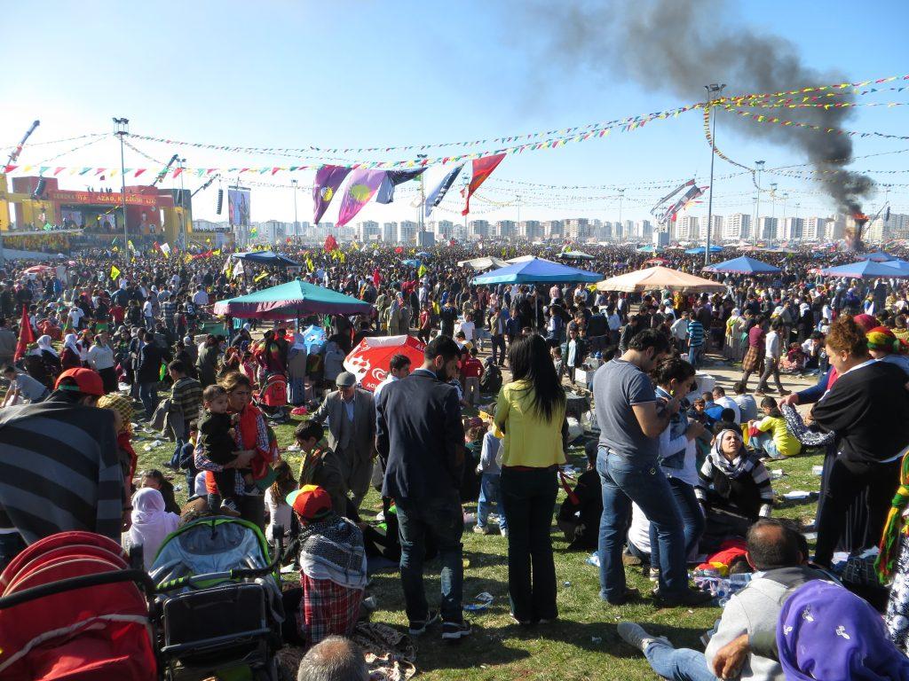 4. Fête du Newroz à Diyarbakır, 21 mars 2014 (Gosse, 2014).