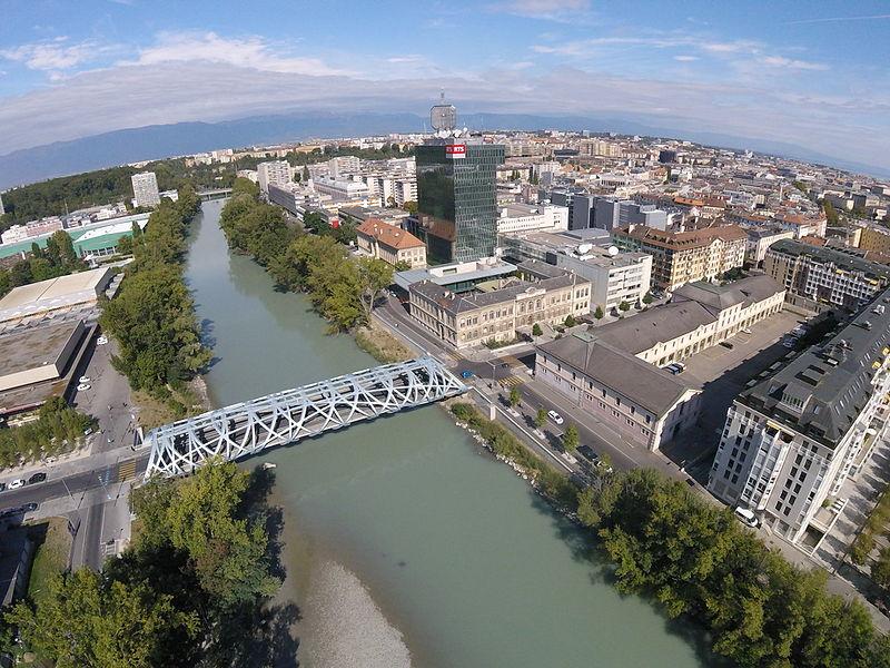 4. Pont Hans-Wilsdorf, Genève (Alexey M. [CC BY-SA 4.0], via Wikimedia Commons, 2015)