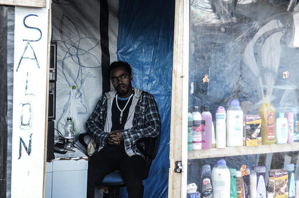 2. Salon de coiffure dans la jungle de Calais (Prestianni, 2015)