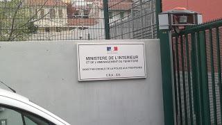3. Panneau d'affichage de l'entrée du CRA du Canet (sans droit)