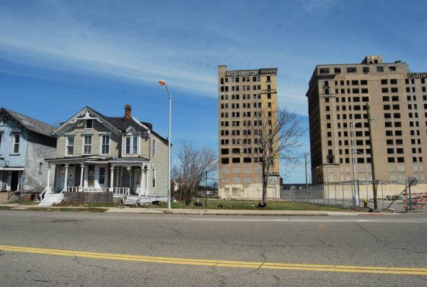 On the road to recovery : le retour de l'État fédéral dans la gestion de la crise urbaine à Detroit